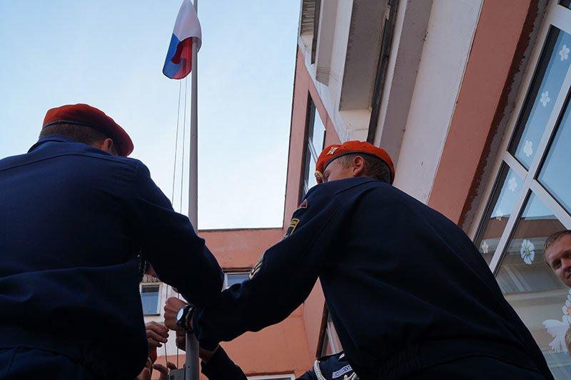 День знаний в Белгороде: В 45-ю школу пришли учиться 147 первоклассников и появился класс с буквой «Е» (фото) - фото 4