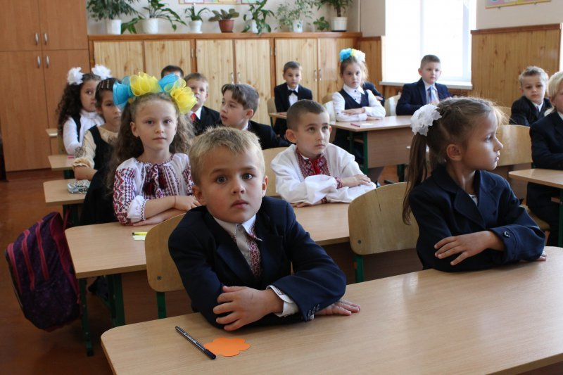 Очільники влади привітали чернівецьких школярів, фото-4