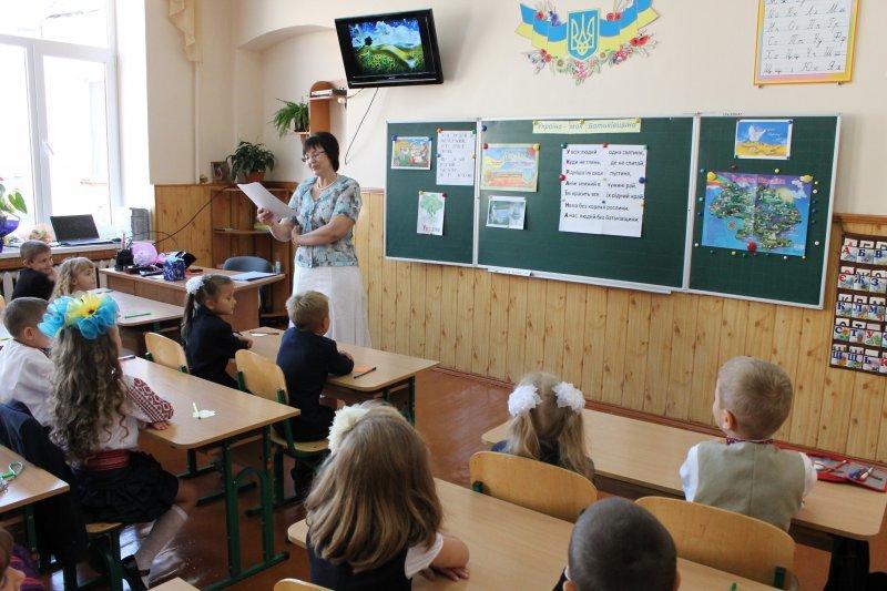 Очільники влади привітали чернівецьких школярів, фото-2