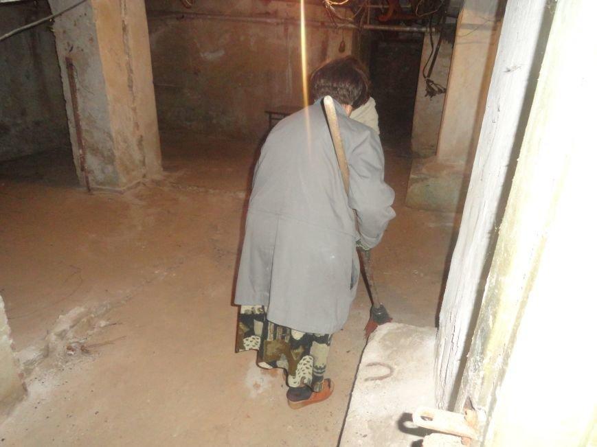 В мариупольских убежищах вкрутили лампочки и потравили крыс (ФОТО), фото-2