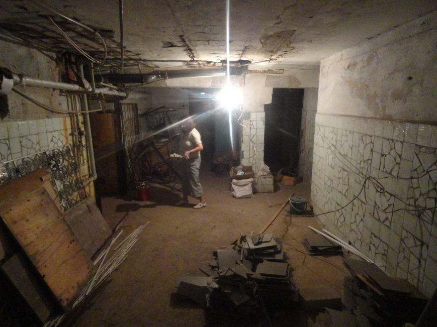 В мариупольских убежищах вкрутили лампочки и потравили крыс (ФОТО), фото-1