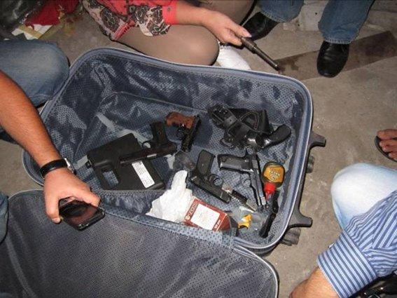 На Днепропетровщине задержаны 6 вооруженных наркодельцов, которые хранили и сбывали амфетамин, фото-1
