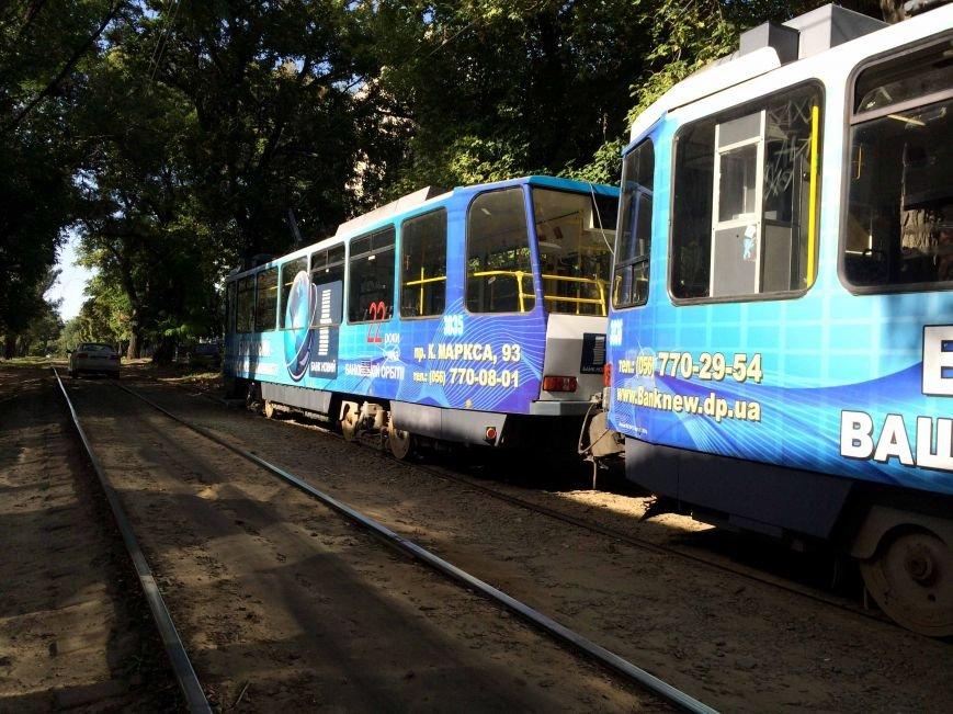 В Днепропетровске трамвай сбил пешехода (ФОТО), фото-1