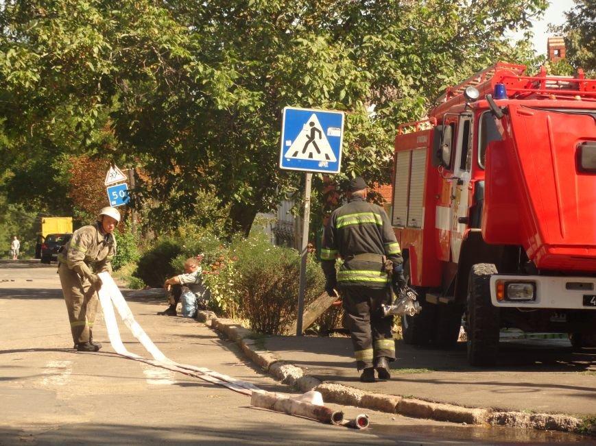 Пожар уничтожил архитектурную достопримечательность Мариуполя (ФОТО), фото-4