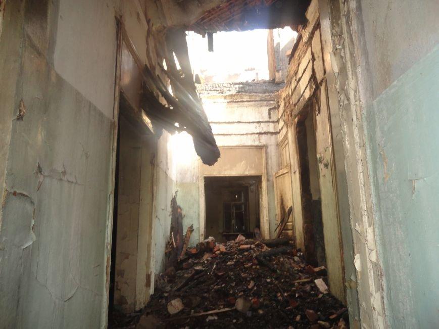 Пожар уничтожил архитектурную достопримечательность Мариуполя (ФОТО), фото-5