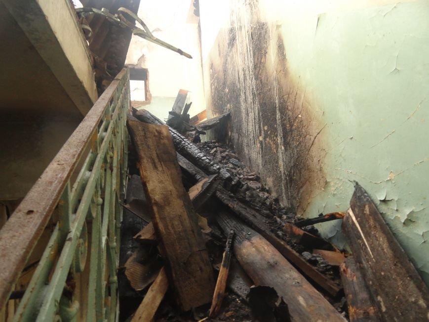 Пожар уничтожил архитектурную достопримечательность Мариуполя (ФОТО), фото-6