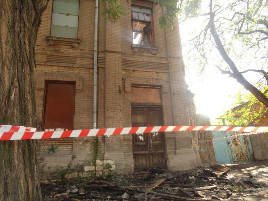 Пожар уничтожил архитектурную достопримечательность Мариуполя (ФОТО), фото-3