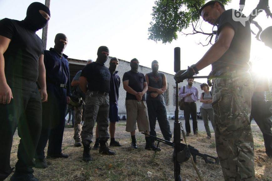 В Мариуполе инструкторы батальона «Азов» готовят горожан к отражению российской агрессии (ФОТО, ВИДЕО), фото-1