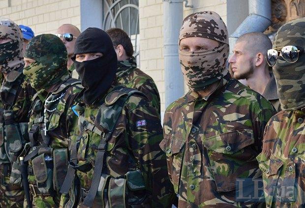 Добровольцы из «Днепра-1» пикетируют Администрацию Президента (ФОТО), фото-17