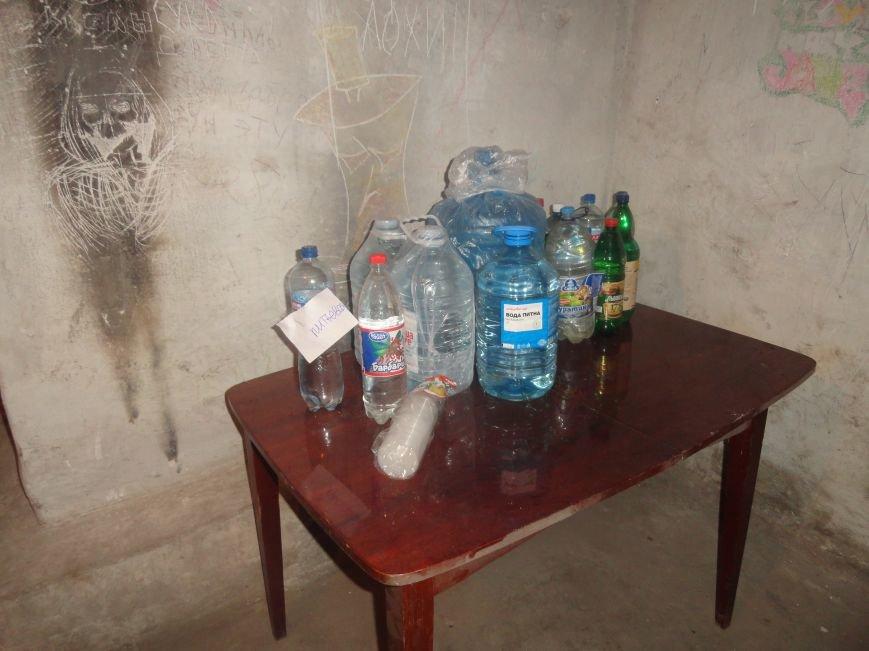 Жители Мариуполя взяли в свои руки подготовку убежищ (ФОТО), фото-6