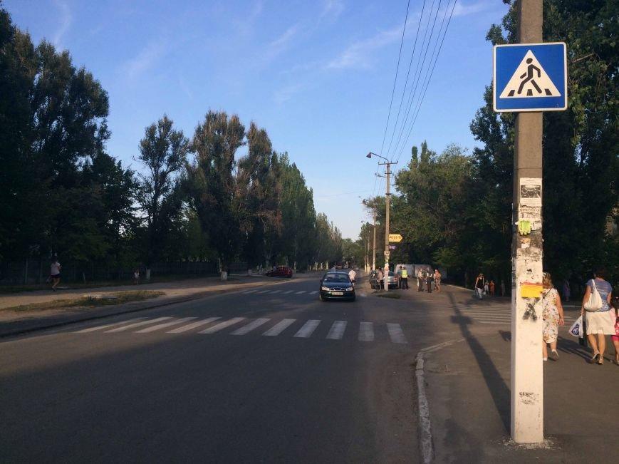 В Днепропетровске водитель автомобиля наехал на 5-летнего ребенка, фото-3