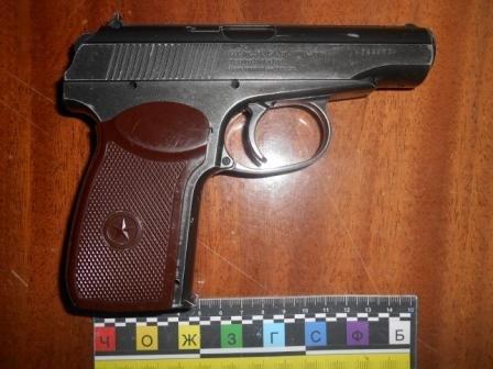 Працівники ДАІ Рівненщини затримали автомобіль, у салоні якого знаходилася зброя (Фото), фото-1