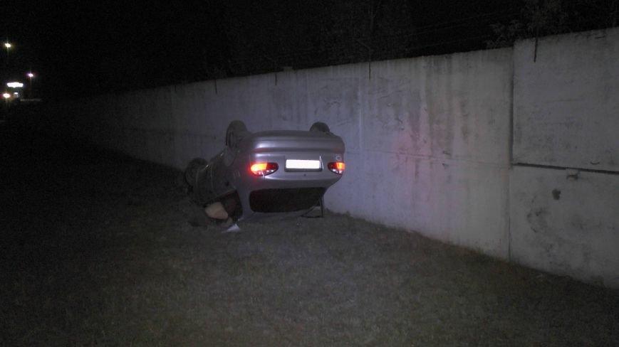 В Днепропетровске перевернулся автомобиль. Водитель погиб (ФОТО), фото-2