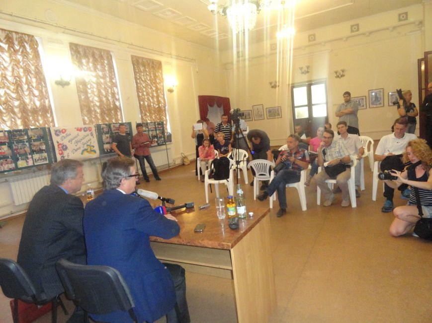 Судьба Мариуполя зависит от мирного плана, подписанного в Минске - Тарута (ФОТО), фото-3