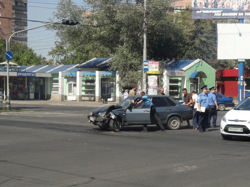 Фольцваген протаранил Ладу на перекрестке пр. Ленина и пр.Строителей (ФОТО), фото-6