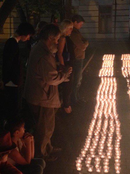 В Москве в память о погибших украинцах зажгли три тысячи свечей (ФОТО), фото-4