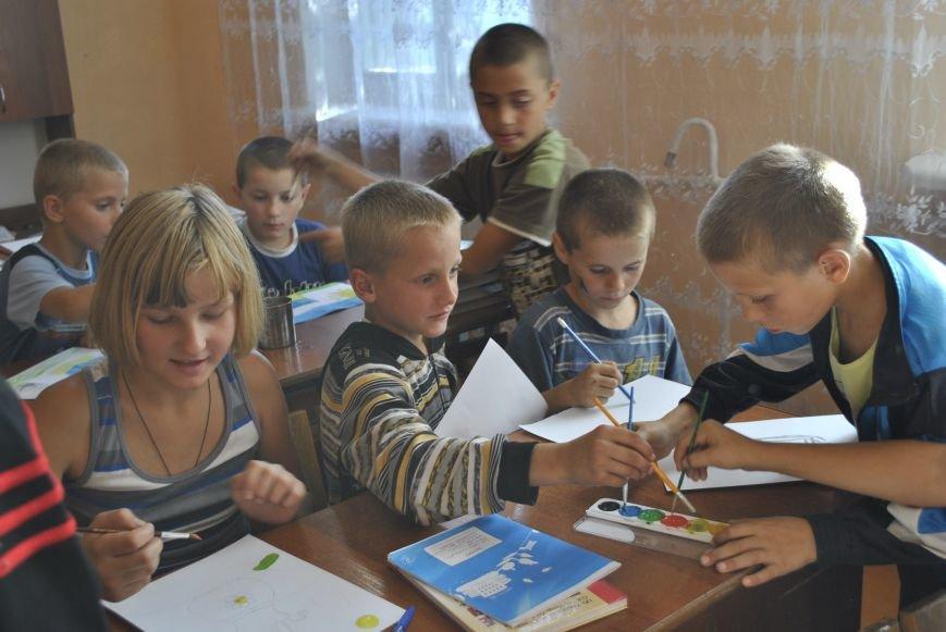 На Рівненщині влаштують благодійний аукціон на підтримку армії (Фото), фото-19