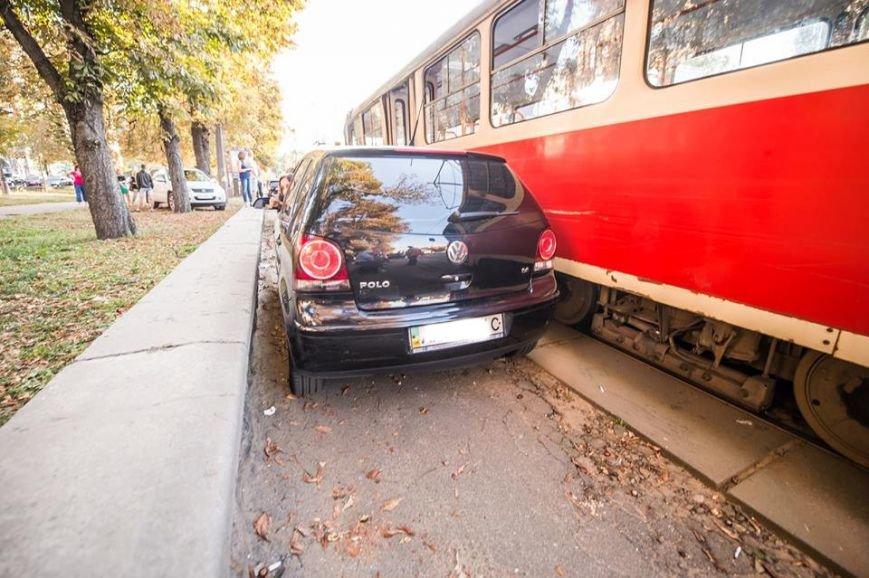 На Подоле около десяти трамваев стояли в пробке из-за припаркованных автомобилей (ФОТО), фото-3