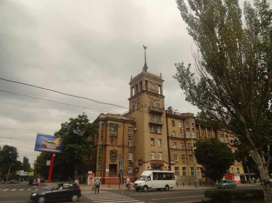 Мариупольцы заметили подозрительных перед приездом Порошенко (ФОТО), фото-1