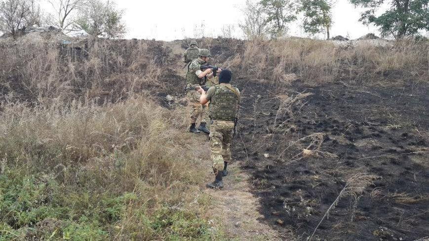 В Славянске патруль киевского добровольческого батальона обезвредил гранату с надписью «За ДНР», фото-2