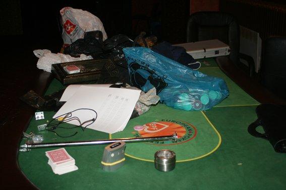 У Рівному міліціонери викрили підпільне казино (Фото), фото-2