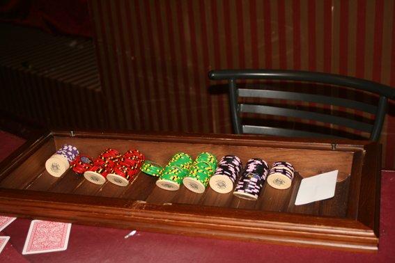 У Рівному міліціонери викрили підпільне казино (Фото), фото-1