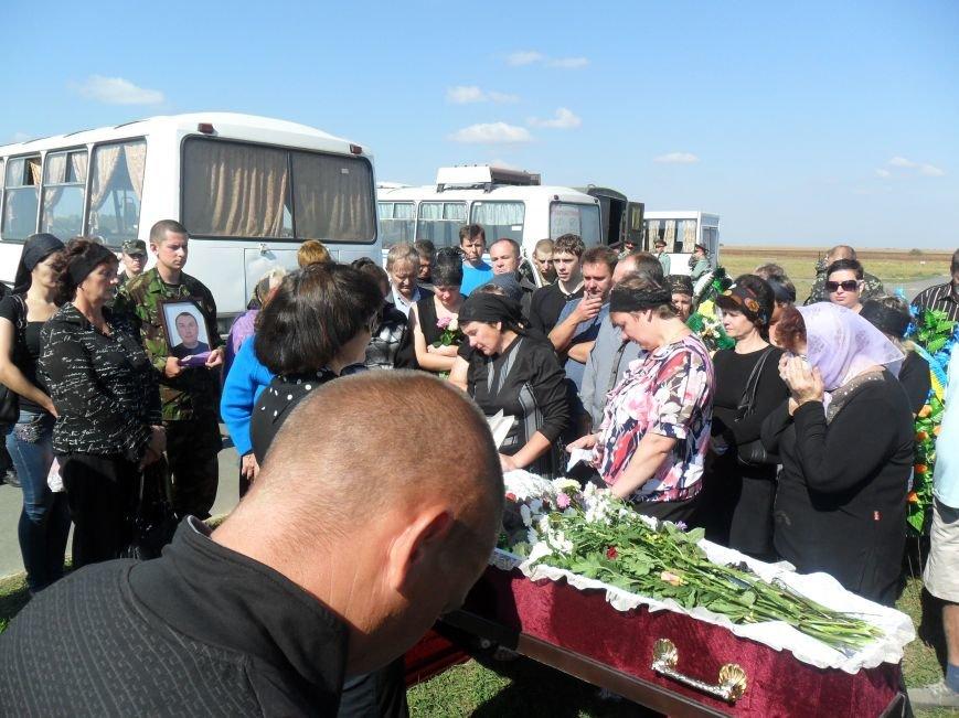 Черниговцы простились с погибшим в зоне АТО героем - Александром Шыком, фото-2