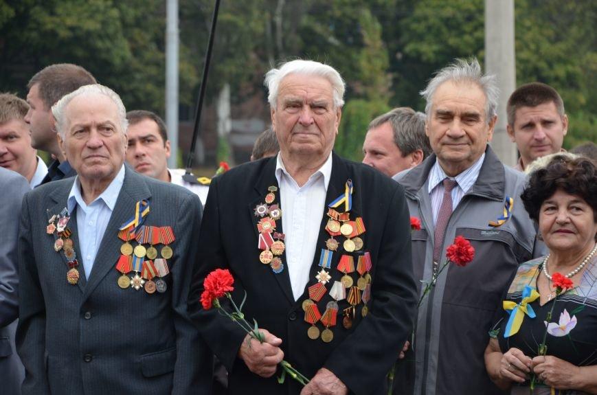 Мариупольцы празднуют День освобождения города от немецко-фашистских захватчиков (ФОТОРЕПОРТАЖ), фото-3