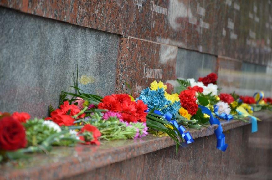 Мариупольцы празднуют День освобождения города от немецко-фашистских захватчиков (ФОТОРЕПОРТАЖ), фото-30