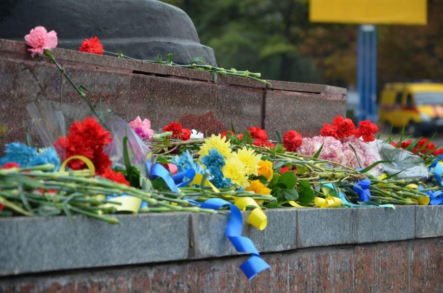 Мариупольцы празднуют День освобождения города от немецко-фашистских захватчиков (ФОТОРЕПОРТАЖ), фото-32