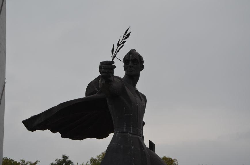 Мариупольцы празднуют День освобождения города от немецко-фашистских захватчиков (ФОТОРЕПОРТАЖ), фото-11