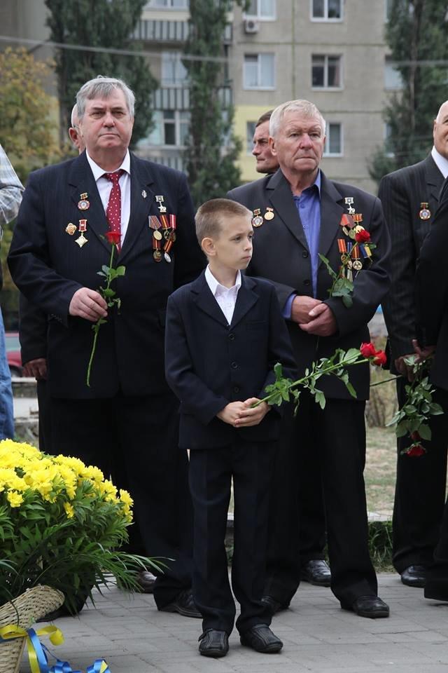 В Днепропетровске у памятника героям Чернобыля провели митинг-реквием (ФОТОРЕПОРТАЖ), фото-1
