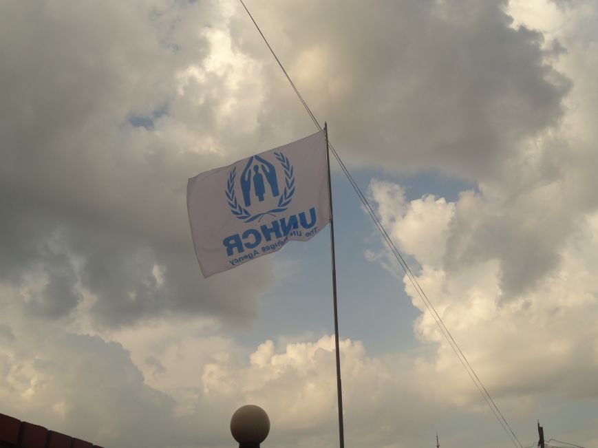 Над Мариуполем развевается флаг ООН (ФОТО), фото-3