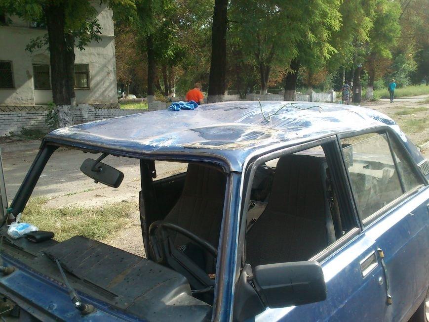 В результате ДТП, на перекрестке Аношкина и Республиканской перевернулось авто, фото-3