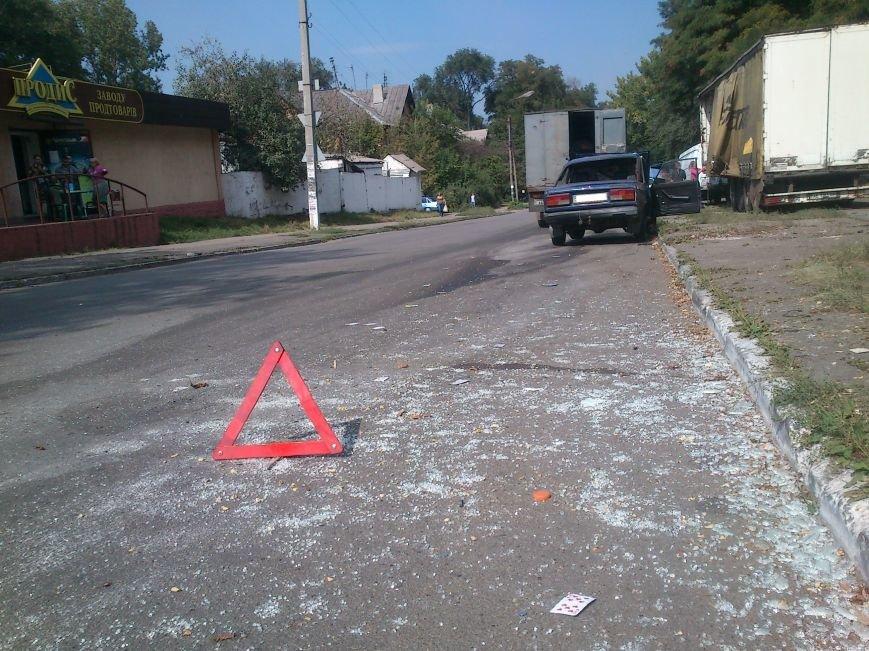 В результате ДТП, на перекрестке Аношкина и Республиканской перевернулось авто, фото-1