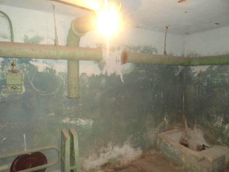 Мариупольцы своими силами благоустраивают бомбоубежище (ФОТОРЕПОРТАЖ), фото-3