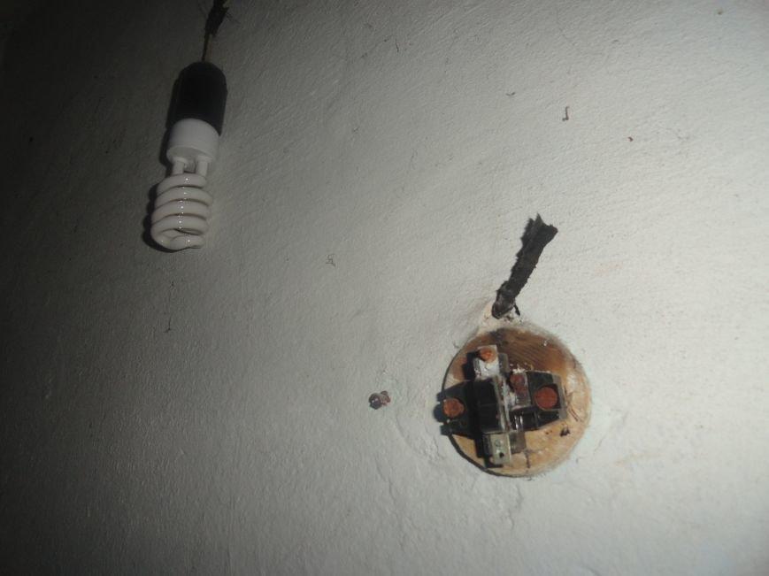 Мариупольцы своими силами благоустраивают бомбоубежище (ФОТОРЕПОРТАЖ), фото-2