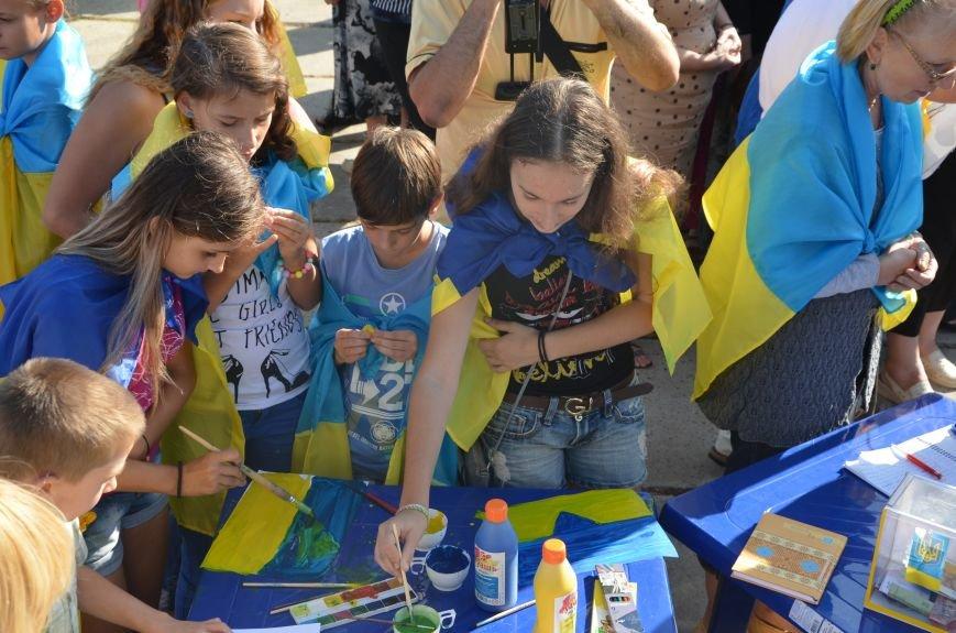 В Мариуполе вышили карту Украины (ФОТОРЕПОРТАЖ), фото-9