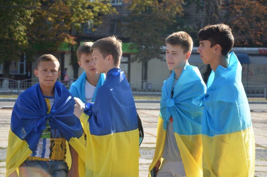 В Мариуполе вышили карту Украины (ФОТОРЕПОРТАЖ), фото-2