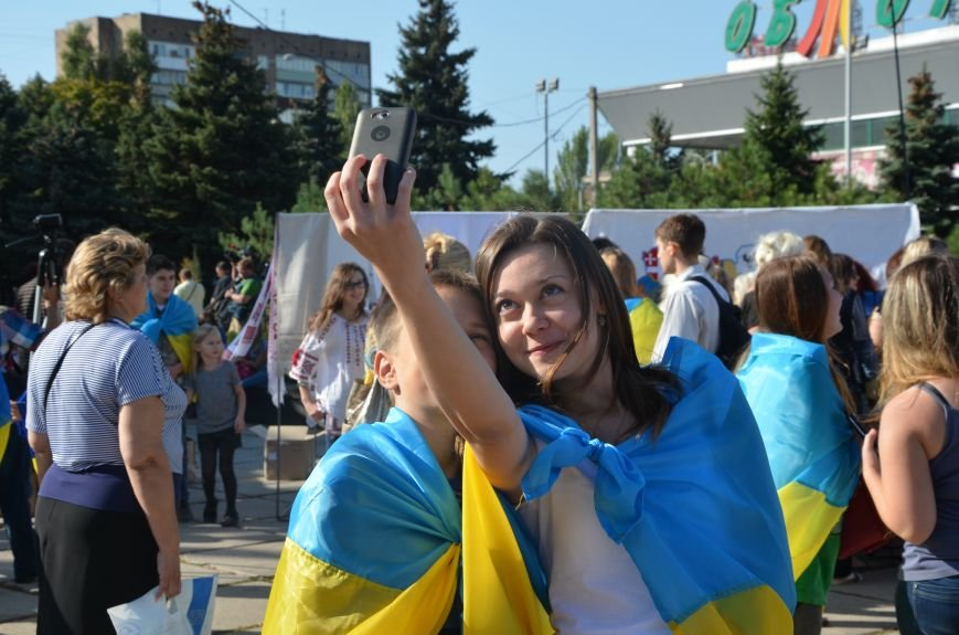 В Мариуполе вышили карту Украины (ФОТОРЕПОРТАЖ), фото-21
