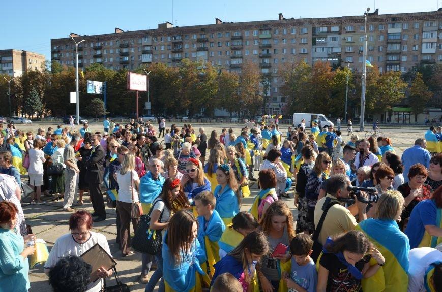 В Мариуполе вышили карту Украины (ФОТОРЕПОРТАЖ), фото-10