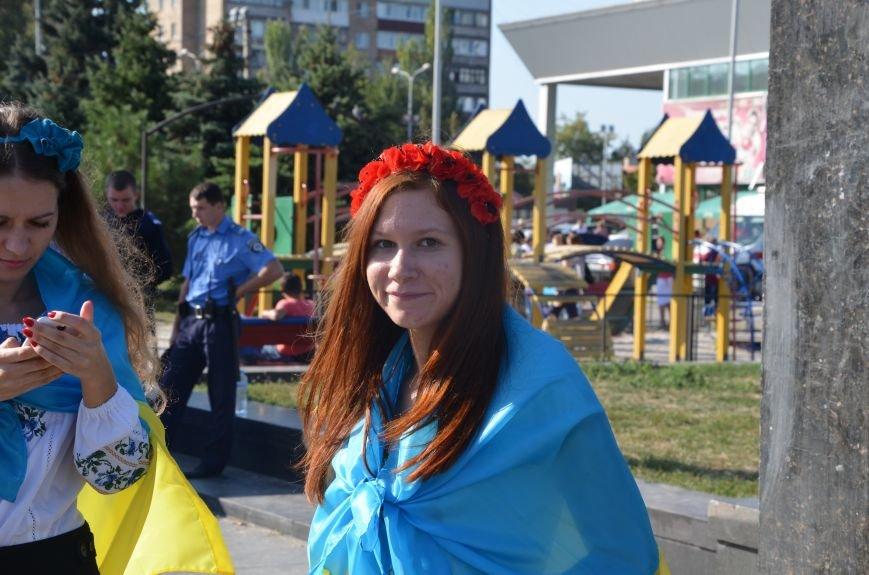 В Мариуполе вышили карту Украины (ФОТОРЕПОРТАЖ), фото-47