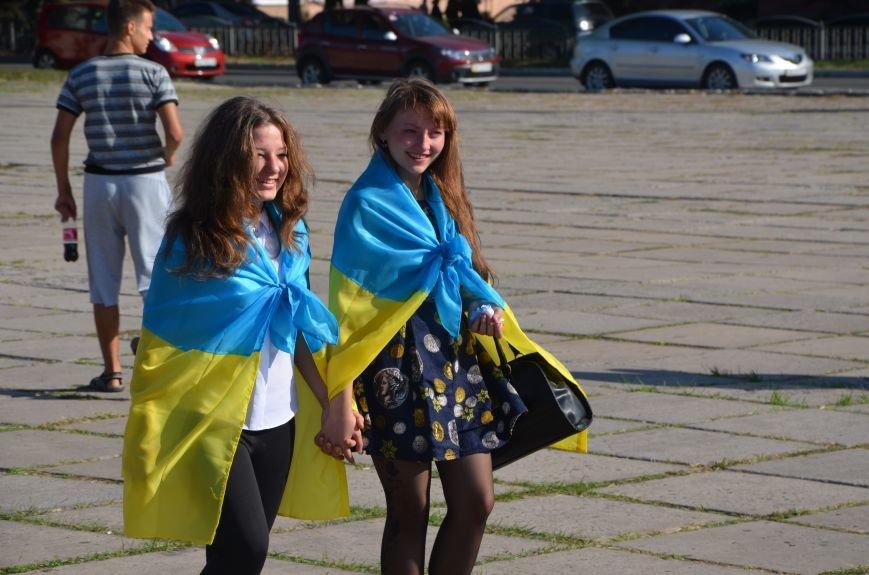 В Мариуполе вышили карту Украины (ФОТОРЕПОРТАЖ), фото-48