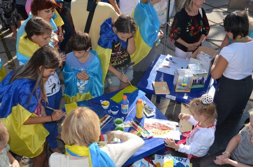 В Мариуполе вышили карту Украины (ФОТОРЕПОРТАЖ), фото-8