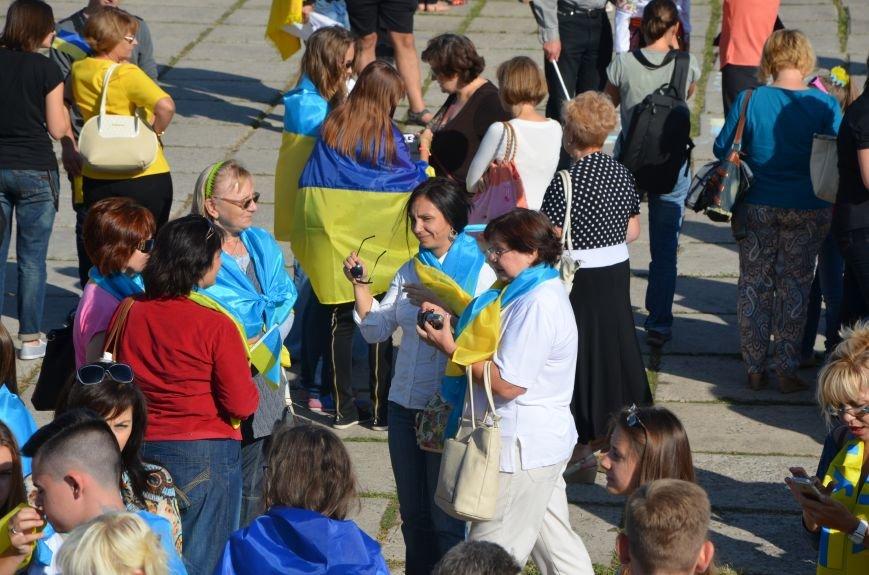 В Мариуполе вышили карту Украины (ФОТОРЕПОРТАЖ), фото-31