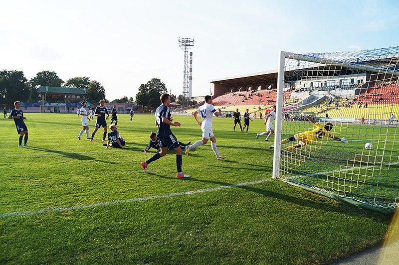 ФК «Энергомаш» разгромил воронежский «Факел-М» со счётом 4:1, фото-1