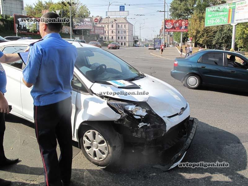 В Киеве в ДТП угодил люксовый спорткар  Lamborghini (ФОТО), фото-5
