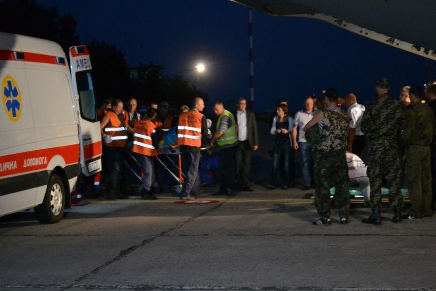 Из Днепропетровска в Литву отправился самолет с ранеными военными, фото-3