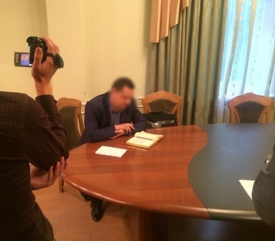 Сумские УБОПовцы разоблачили в коррупции чиновников, которые решали земельные вопросы за взятки (ФОТО), фото-2