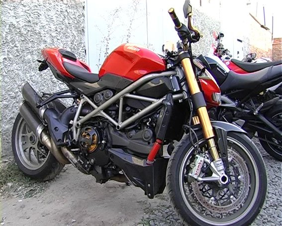 В Сумах УБОП-вцы изъяли у авторитета 43 элитных мотоцикла (ФОТО), фото-2